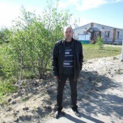 Парень ищет секса с девушкой или женщиной в Вологде